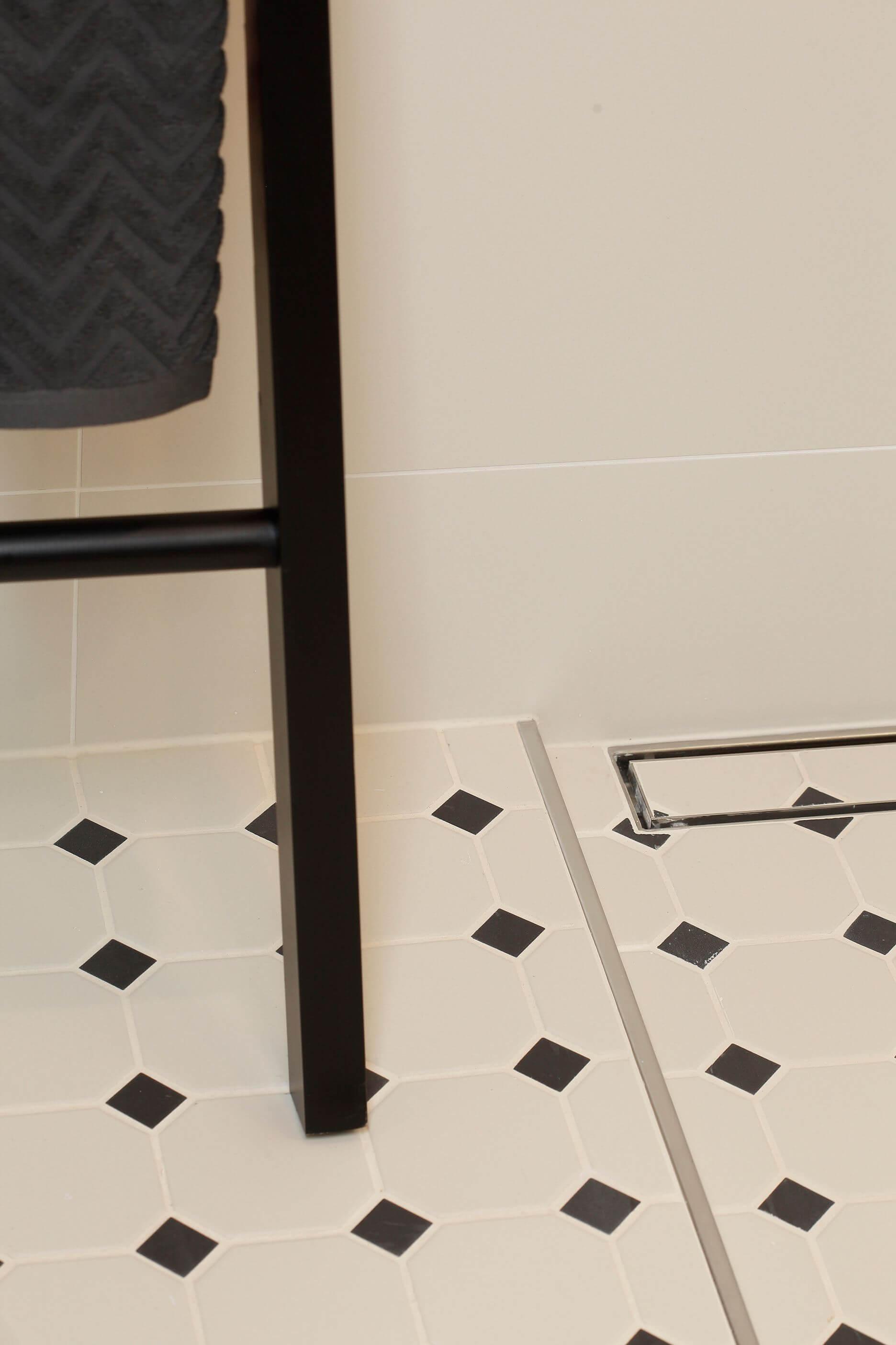 BPK ajaloolise klassikalise mustriga põrandaplaat vannituppa avangard luksuslikus üürimajas