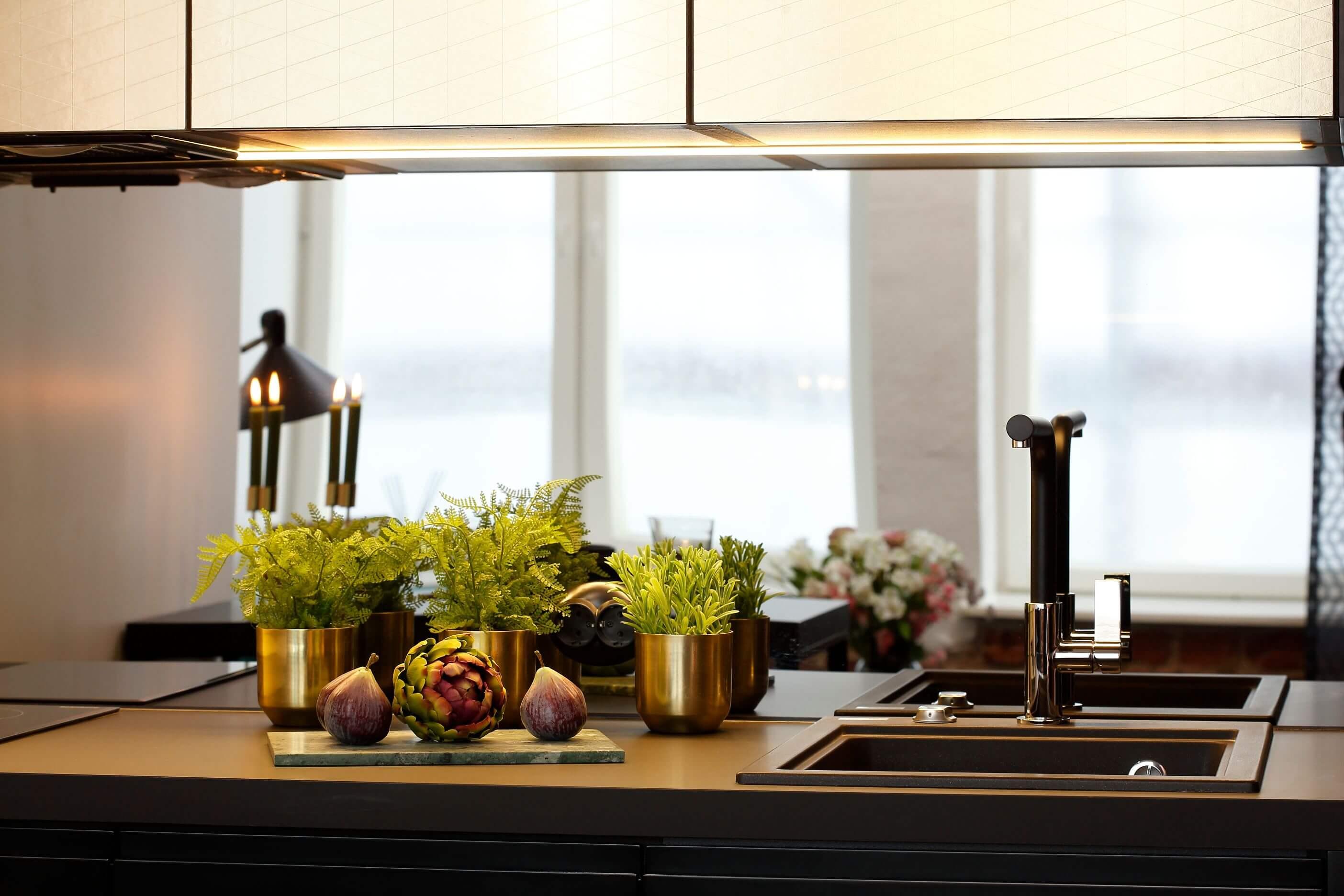 Sisustusproff miniköök, eritellimus mööbel, Fenex Vivarec köögiplaat laminaadist