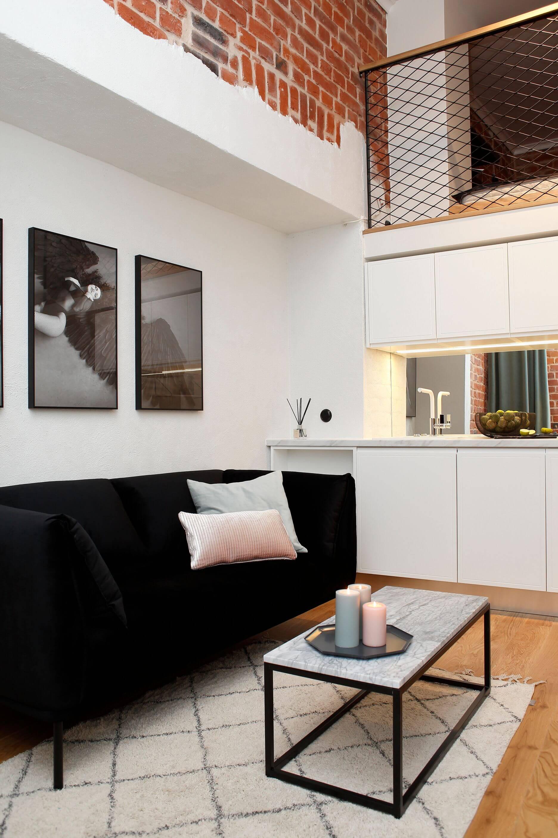 Treimann diivan, Sisustusproff eritellimus köök, BPK segisti, Funktsionaalne loft, minikorter kaunis Avangard hoones