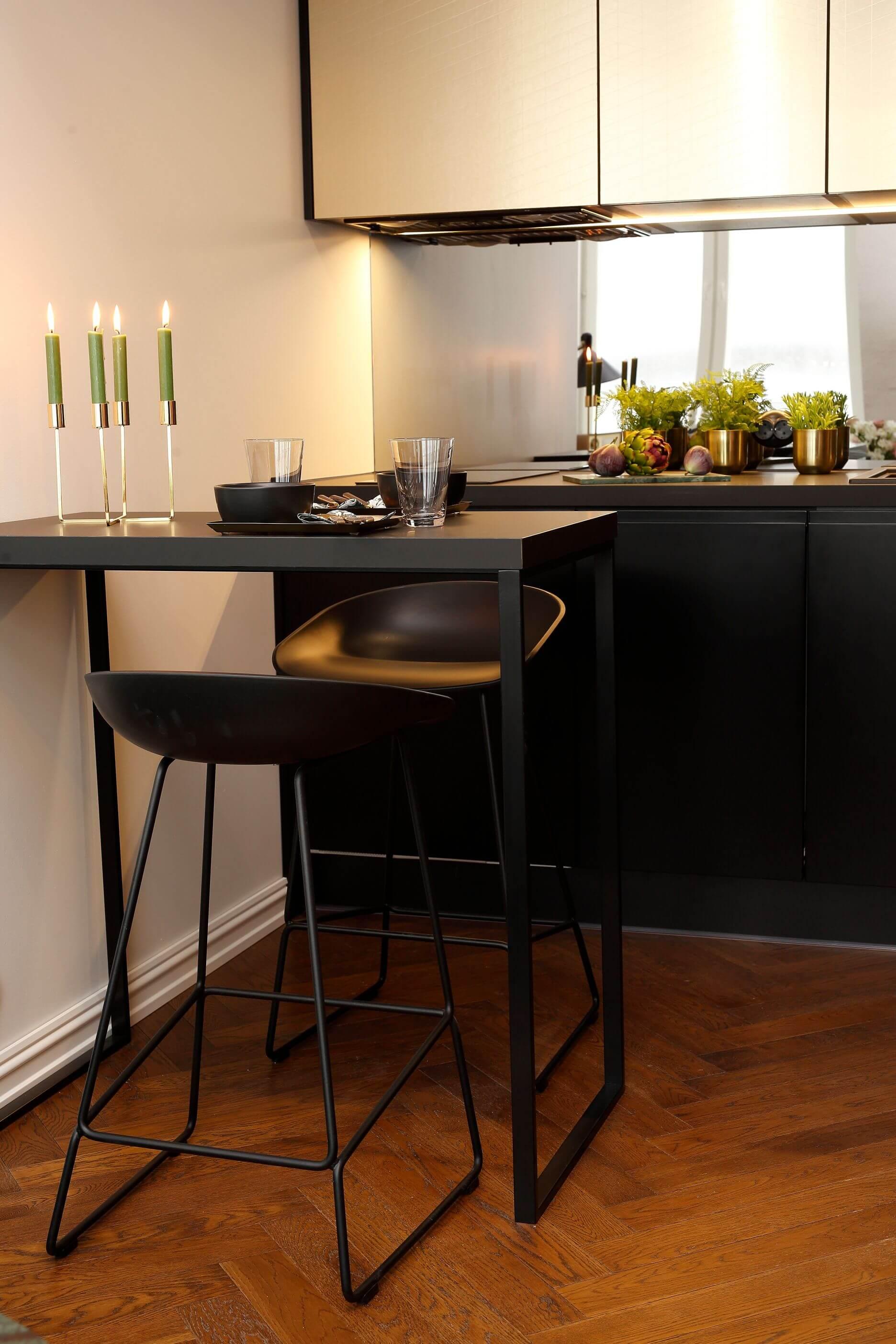 Väike köök sisustusproff köögimööbel Hay pukktool Elke mööbel